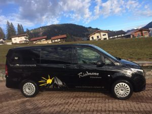 Mercedes – VITO  7 Sitzer mit Klimaanlage, Lederbestuhlung, 4-Matic